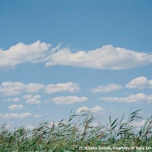 画家たちが見た風景を撮影、鈴木理策による写真展開催