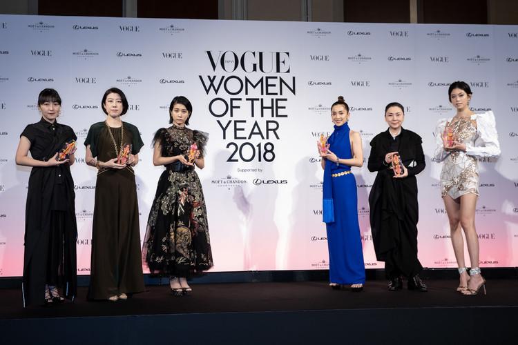 (左から)青木明子、野木亜紀子、松本穂香、中村アン、梶芽衣子、森星