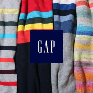 ホリデーを楽しむレインボーカラーのコレクションをGapが発売