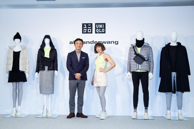 (左から)ユニクロ R&D統括責任者 勝田幸宏、仲里依紗