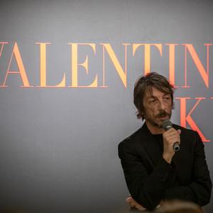 ヴァレンティノが「侘び寂び」を解釈、マンガから伝統工芸まで全フロアで日本を表現