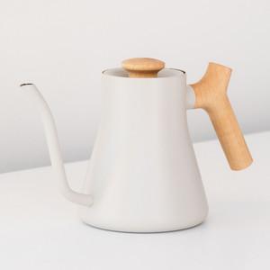 ブルーボトルコーヒー限定仕様の抽出専用ケトルが登場、フェローとコラボ