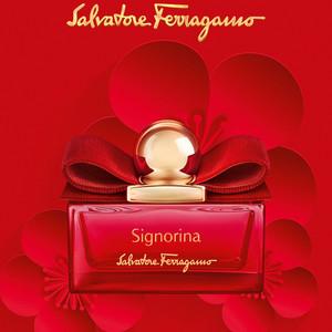 フェラガモが人気香水「シニョリーナ」のニューイヤーエディション発売、真紅の限定パッケージ