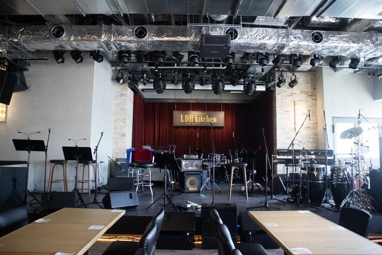 「Live & Restaurant LDH kitchen THE TOKYO HANEDA」店内
