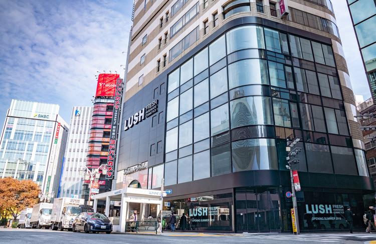 LUSH 新宿店外観イメージ