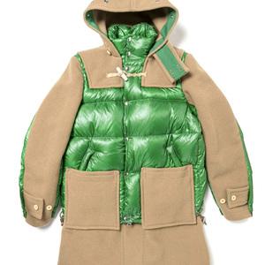ダッフルコートとダウンジャケットが融合、サカイがグローバーオールとのコラボアウター発売