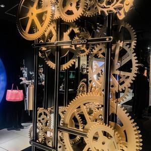 銀座・和光の時計塔内部を体現、銀座4店舗目の「セイコードリームスクエア」はミュージアム併設