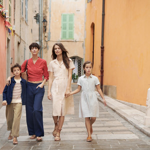 「ユニクロ×イネス」新作は南仏の港町サントロペが着想源に、キッズからはパジャマが初登場