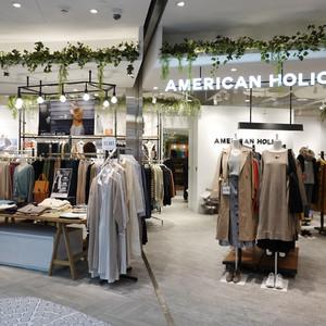 ストライプ展開「アメリカン ホリック」積極出店で売上好調、主婦層の支持拡大