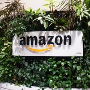 アマゾンのジェフ・ベゾスがフォーブス長者番付2年連続首位、21歳カイリー・ジェンナーが最年少で初ランクイン