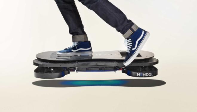 【動画】宙に浮かぶ未来型スケボー「HENDOホバーボード」国内展開