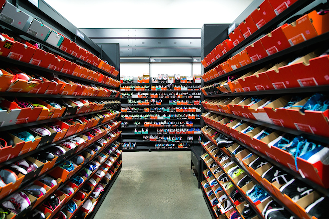 sneaker-factory-outlets-nike-adidas-2.jpg